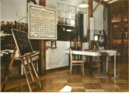 Marie Curie,  Nobel Prize In Physics, Nobel Prize In Chemistry, Son Laboratoire (Polish Chemistry Society) à Varsovie - Premi Nobel
