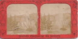 RUSSIE - Grandes Eaux Palais De Péterhoff - St-Petersbourg - Carte Stéréo B.K. Paris Grands Magasins Du Louvre - 2 Scans - Russie
