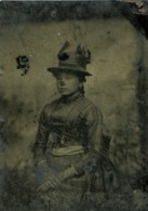 France Ferrotype Tintype Jeune Femme Portrait Mode Ancienne Photo 1890 - Oud (voor 1900)