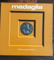 RIVISTA MAGAZINE MEDAGLIA JOHNSON Anno 6 Numero 12 Dicembre 1976 - Libri & Software