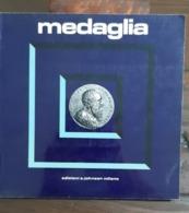 RIVISTA MAGAZINE MEDAGLIA JOHNSON Anno 3 Numero 6 Dicembre 1973 - Libri & Software