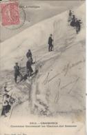 74 LES BOSSONS RANDONNEURS TRAVERSANT LE GLACIER DES BOSSONS VALLEE DE CHAMONIX MONT BLANC Editeur GILETTA 2614 - Chamonix-Mont-Blanc