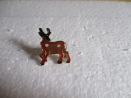 Pin's Animalier Cerf. - Animaux
