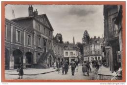 Carte Postale 27. Brionne  L'hotel De Ville Et Le Donjon   Trés Beau Plan - France