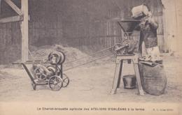Le Chariot-brouette Agricole Des Ateliers D' ORLEANS à La Ferme - Autres Communes