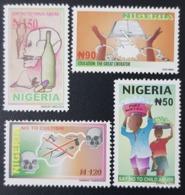 NIGERIA 2004 - CHILDREN INTERNATIONAL DAY STAMP DESIGN DRUGS WATER - RARE MNH - Nigeria (1961-...)