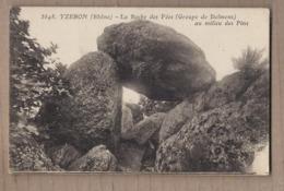 CPA 69 - YZERON - La Roche Des Fées ( Groupe De Dolmens ) Au Milieu Des Pins - SUPERBE GROS PLAN MENHIR - Dolmen & Menhirs