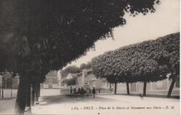 94 ORLY  Place De La Mairie Et Le Monument Aux Morts - Orly