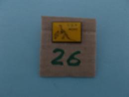 """PIN'S - MONS - """" CGH  Mons """"- Voir Photo ( 26 ) - Villes"""