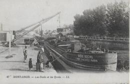 MONTARGIS : Les Docks Et Les Quais  Animés Avec Les Péniches; - Montargis
