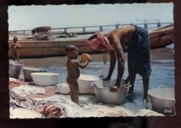C2193 SÉNÉGAL - L'AFRIQUE EN COULEURS EDITIONS VINCENT ETHNICS FOLKLORE COSTUMES - LESSIVE AU FLEUVE - Senegal