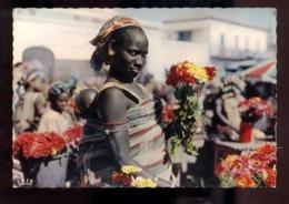 C2196 SÉNÉGAL - L'AFRIQUE EN COULEURS EDITIONS VINCENT ETHNICS FOLKLORE COSTUMES - MARCHANDE DE FLEUR AVEC SON ENFANT - Senegal