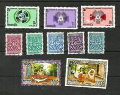 Khmère N°274, 276, 277, 298, 300 à 303, 2 Timbres De 2006 - Cambodia