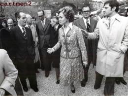 PHOTOGRAPHIE ANCIENNE JACQUES CHIRAC ET BERNADETTE LES BAUX-DE-PROVENCE POLITIQUE PRESIDENT FRANCAIS - Personalidades Famosas