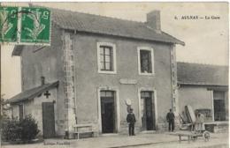 D17 - AULNAY - LA GARE - Plusieurs Personnes Et Brouette Devant La Gare - Aulnay