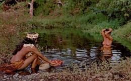 SPECTACLE QU ON DÉCOUVRE SOUVENT AU BORD DES RIVIÈRES TAHITIENNES - Tahiti