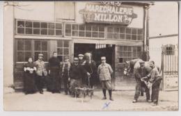 """CARTE PHOTO : MARECHALERIE """" MILLON """" - MARECHAL FERRANT - ENCLUME - FER SUR LE SABOT DU CHEVAL -z 2 SCANS Z- - Artisanat"""