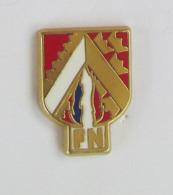 """1 Pin's PARTI POLITIQUE - FN - FRONT NATIONAL Signé """"B"""" - Associazioni"""