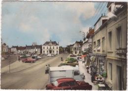 CP : Etaples  , Grande Place , Automobile ,  Fourgon Citroen - Etaples