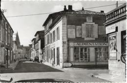 D17-GEMOZAC-RUE DE LA LIBERATION-Alimentation-Banque Nationale-Coiffeur/Parfumerie-Citroën 2CV-Ariane-Peugeot 203 Break - Other Municipalities