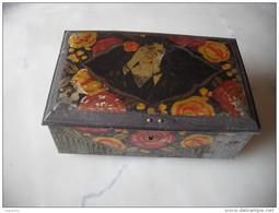 Boite 1930  Avec Femme - Boxes