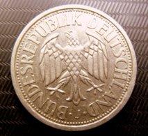 2 Mark Aux Raisins 1951 J - [ 6] 1949-1990 : GDR - German Dem. Rep.