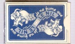 Jeu De 32 Cartes (belotte, Piquet, Manille) Dans Sa Boite Je Ne Fume Que Le Nil - Advertising Items