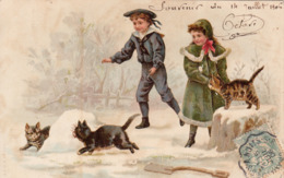 BELLE CARTE- Très Beaux Enfants Jouant Avec Leur Chats Dans La Neige-souvenir Du 14 Juillet 1906-TBE - Autres