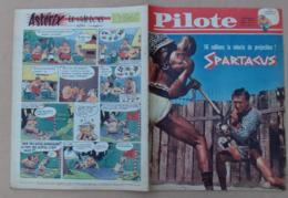 Pilote N° 099 - Année 1961, Film Spartacus, Les Indiens Du Nord-Ouest, Guerre De Secession, Astérix Le Gaulois ….. - Pilote