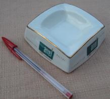 001, Cendrier Publicitaire Cigarettes Filtre Ariel Mentholés - Faïence - Altri