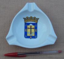 005, Cendrier Publicitaire Hotel Alvarez - Las Palmas - Pocelaine - Alvarez Division Hostelera - Pocelaine - Porcelain