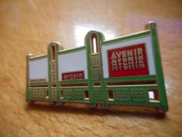 A046 -- Pin's Arthus Bertrand Avenir - Arthus Bertrand
