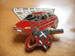 A046 -- 4 Pin's Arthus Bertrand Renault Clio - Arthus Bertrand
