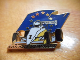 A046 -- Pin's Arthus Bertrand Formule 1 Renault - Arthus Bertrand