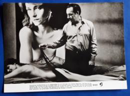 """CHARLOTTE RAMPLING (nude/nu/nackt) & MICHEL SERRAULT Im Film """"Mörderischer Engel"""" # Altes Film-Verleih-Foto # [19-2314] - Fotos"""