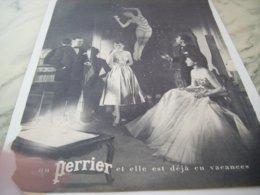 ANCIENNE PUBLICITE ELLE EST DEJA EN VACANCE SON PERRIER  1953 - Perrier