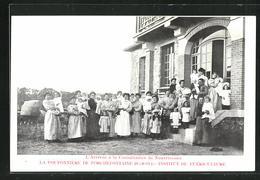 CPA Porchefontaine, La Pouponnière, Institut De Puériculture, L`Arrivée à La Consultation De Nourrissons - Frankreich