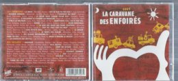 "2 CD  LES ENFOIRES  "" LA CARAVANE DES ENFOIRES  "" ( JENIFER / KAAS / FIORI / GOLDMAN / HALLYDAY / BRUEL / SEGARA... ) - Musik & Instrumente"