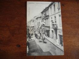 Beaucaire  Arrivee Des Taureaux Rue Nationale - Beaucaire