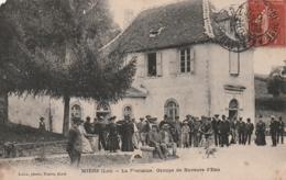 *** 46  ***  MIERS  La Fontaine Groupe De Buveurs D'eau - TB(très Leger Manque Angle Haut Gauche - France