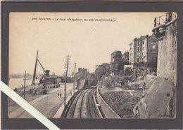 """Nantes / La Quai De L'Aiguillon, Au Bas De L'hermitage , Pub Murale """"cacao Van Houten"""" Voies Ferrées - Nantes"""