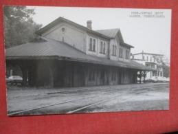 RPPC---------Penn Central Depot Warren  Pennsylvania  Kodak Stamp Box    Ref 3642 - United States