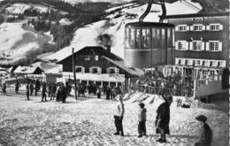 74 - Mégève - Hôtel Pylone - ( Les Skieurs - Le Téléphérique ) - Megève