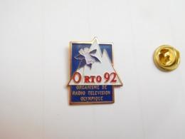 Beau Pin's , JO , Jeux Olympiques  Albertville 1992 , ORTO 92 , Média , Radio Télévision Olympique , Signé Tosca - Jeux Olympiques