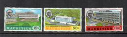 MAURITIUS - 1972 - 5° Anniversario Indipendenza - 3 Valori - Nuovi - Linguellati * - (FDC17127) - Mauritius (1968-...)
