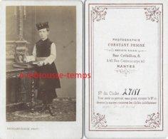 Belle CDV Vers 1870-enfant De 10 Ans Avec Costume Velours Et Toque- Russe? -photo Constant Peigné à Nantes - Anciennes (Av. 1900)