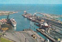 CALAIS - Vue Générale Du Port Avec Les Jetées - CPSM - Steamers