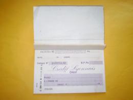 Crest, Drôme: Carnet De Chèques Du Crédit Lyonnais CREST . 1944 - Cheques En Traveller's Cheques