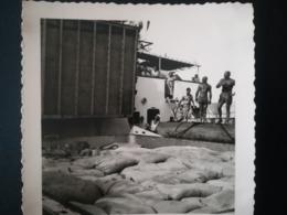 BATEAU VIKAREN ?  DE CONGO FRANCE VERS DAKAR POLICE ROULAGE SÉNÉGAL  13 PHOTOS ORIGINALES ANNÉES 1950 - Lieux
