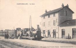 88 - Darnieulles - La Gare Animée - Gros Plan Sur Le Train - France